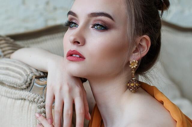 rozświetlacz - makijaż